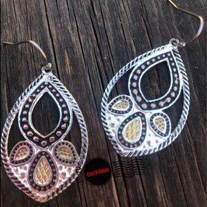 Montana Silversmiths Tri-toned Earrings *